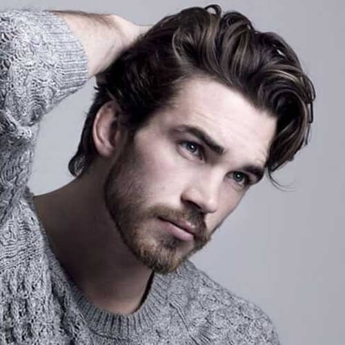Peinados elegantes para hombres con cabello grueso