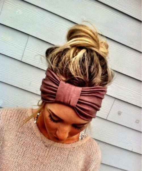 peinados largos con lazo rosa