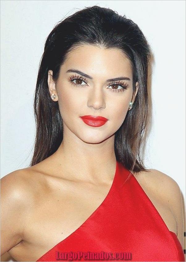 Peinados de longitud media para las mujeres (4)