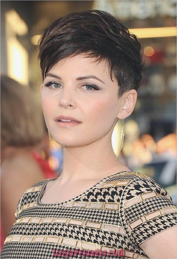 Cortes de pelo cortos lindos para mujeres (21)