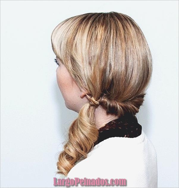 Peinados de cola de caballo laterales atractivos para niñas (30)