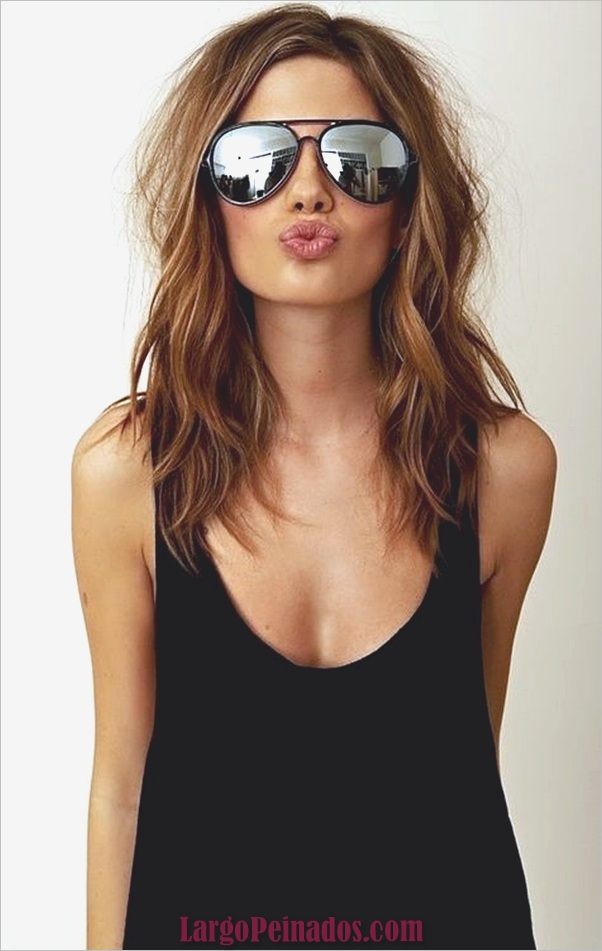 Estilos de pelo de longitud media para las mujeres (4)