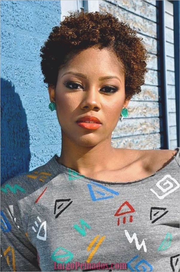 Peinados Rizados Cortos para Mujer Negra (10)