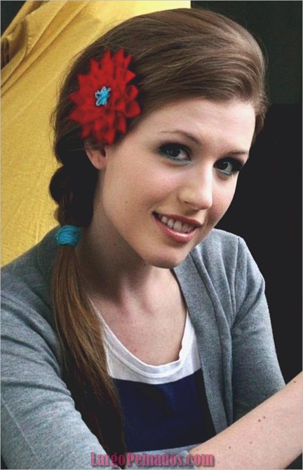 Peinados de cola de caballo laterales atractivos para niñas (10)