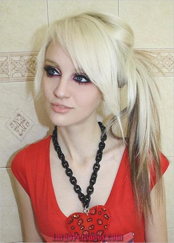 Atractivos peinados laterales de cola de caballo para niñas (37)