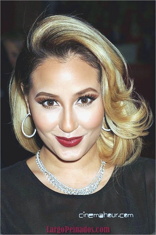 ADRIENNE BAILON en el desfile de modas The Heart Truth 2013 en Nueva York