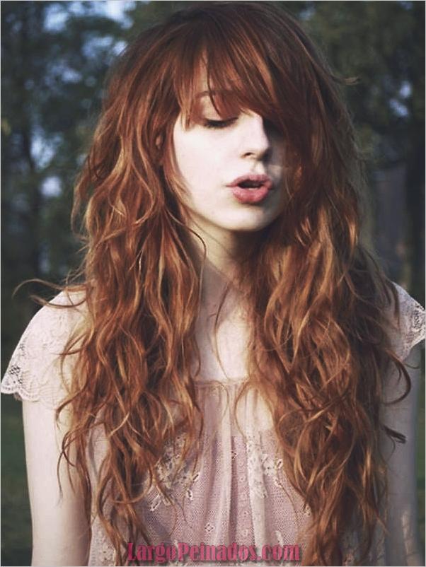 Estilos de pelo rizado para el pelo largo