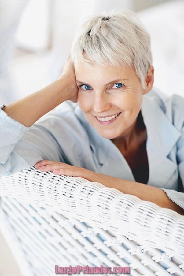 Peinados cortos para mujeres mayores (6)