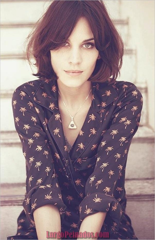 Cortes de pelo cortos lindos para mujeres (14)