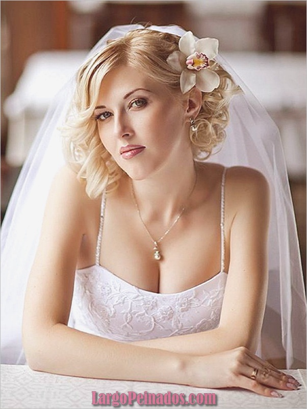 Peinados de novia para el pelo largo y corto6.1