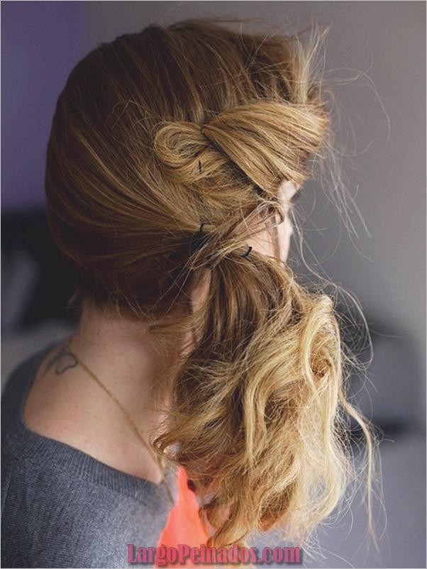 Peinados de cola de caballo laterales atractivos para niñas (32)