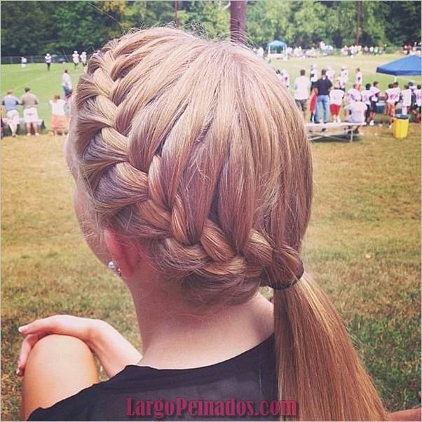 Peinados de cola de caballo laterales atractivos para niñas (13)