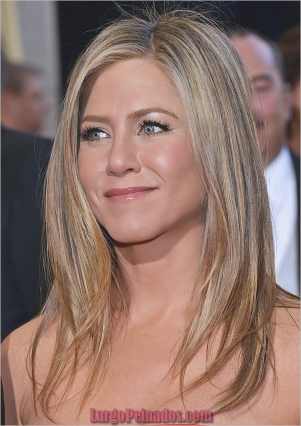 HOLLYWOOD, CA - 24 DE FEBRERO: La actriz Jennifer Aniston llega a los Oscars en Hollywood & Highland Center el 24 de febrero de 2013 en Hollywood, California. (Foto por Michael Buckner / Getty Images)