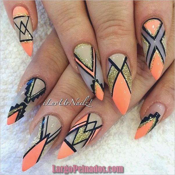 Diseños de uñas puntiagudas de almendra (1)