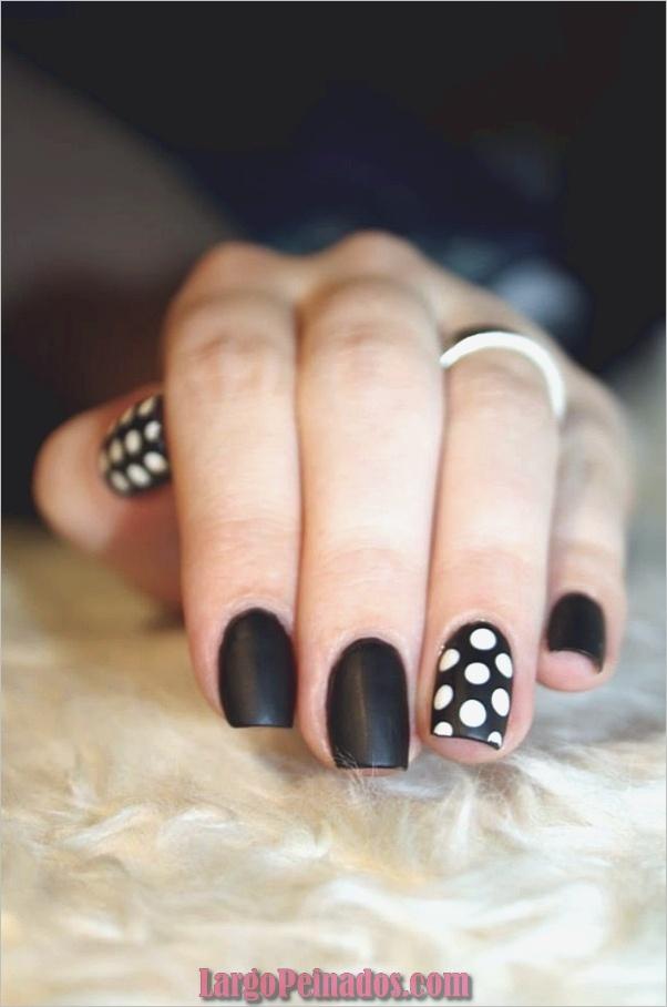 Diseños de arte de uñas blancas (49)