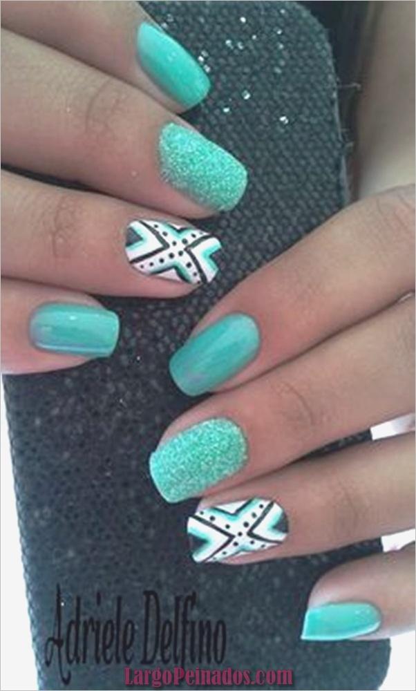 Ideas y diseños de arte de uñas azules (44)