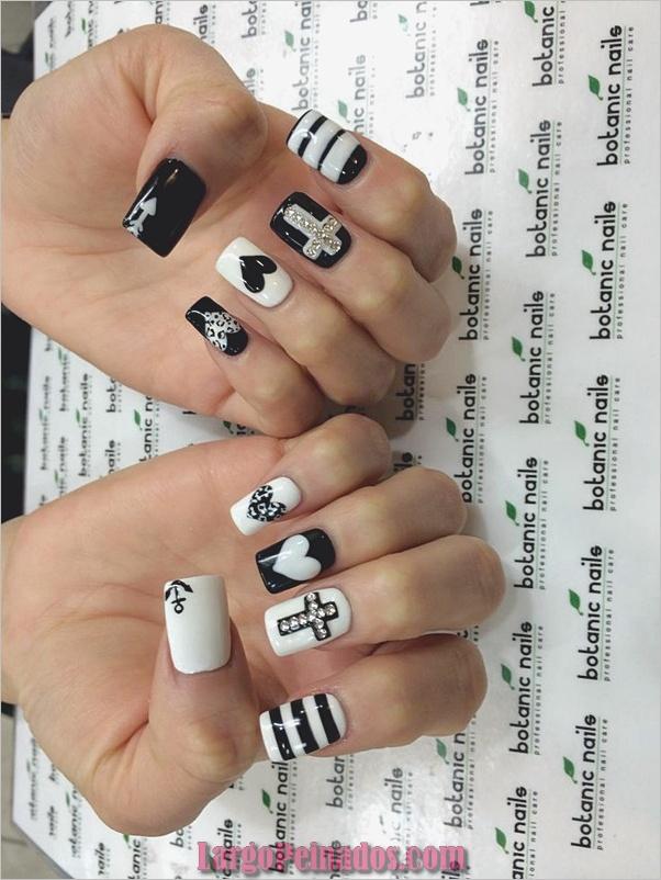Diseños de arte de uñas blancas (28)