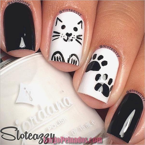 Diseños de uñas en blanco y negro (45)