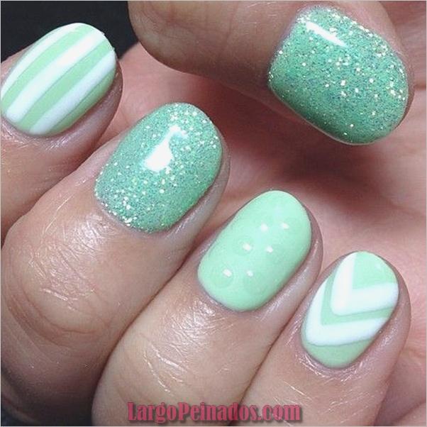 Ideas y diseños de arte de uñas azules (58)