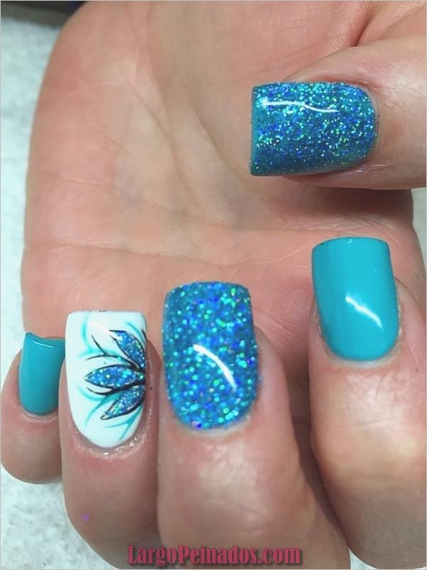 Ideas y diseños de arte de uñas azules (45)