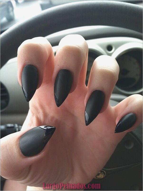 Diseños de arte de uñas negro8