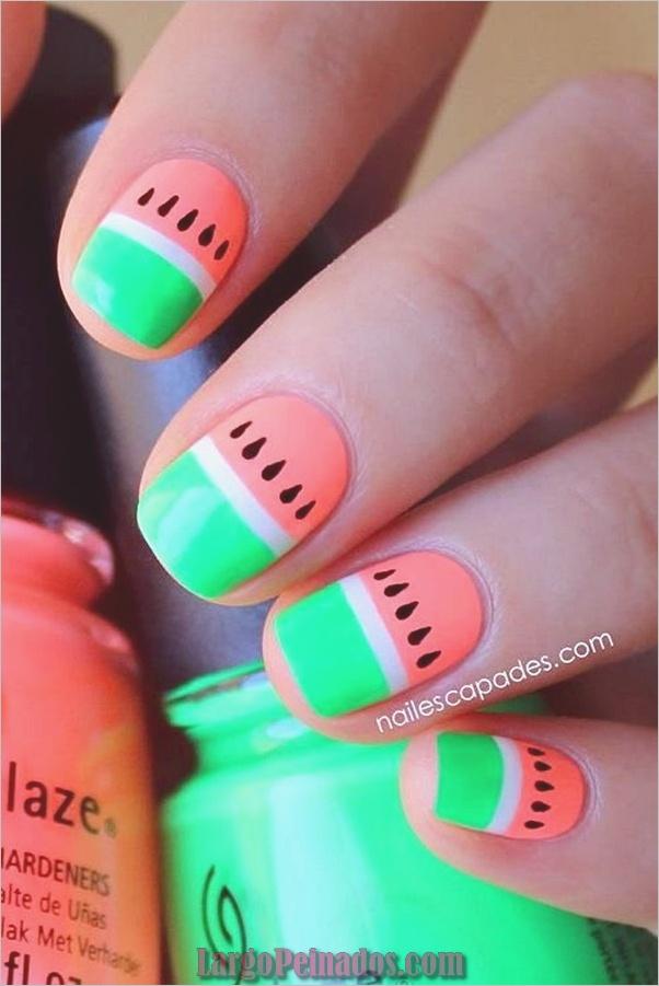 Diseños y Colores de Arte de Uñas de Verano (1)