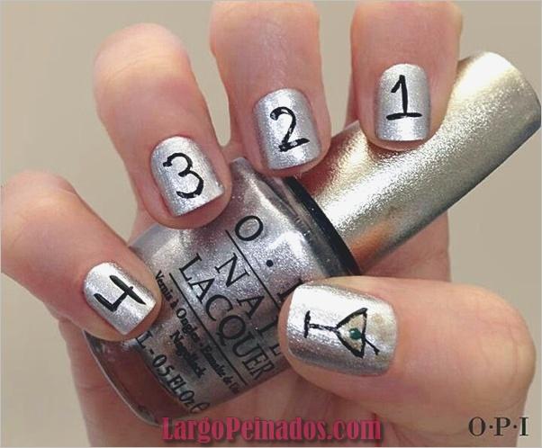 Ideas y diseños de uñas de año nuevo (1)