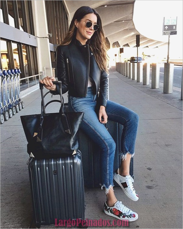 Airport-fashion-outfits-to-travel-in-style-3