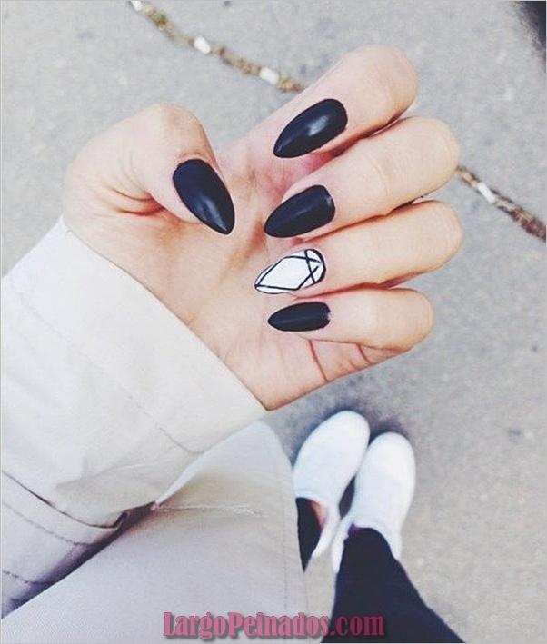 Diseños de arte de uñas negro12