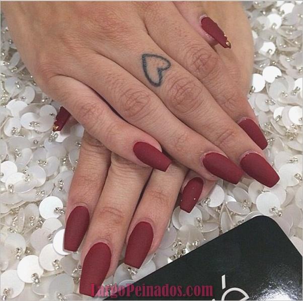 Diseños de arte de uñas rojas5