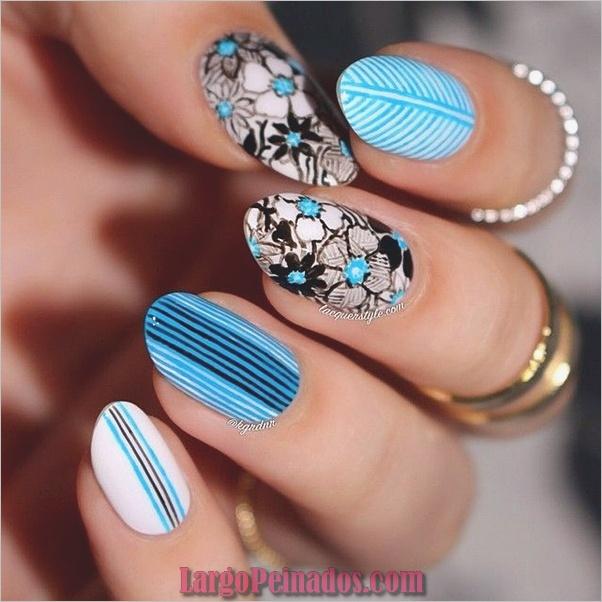 Ideas y diseños de arte de uñas azules (29)