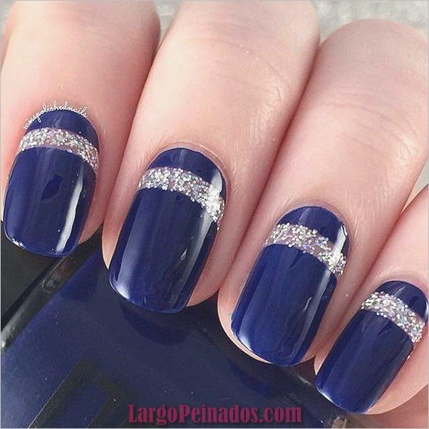 Ideas y diseños de arte de uñas azules (11)