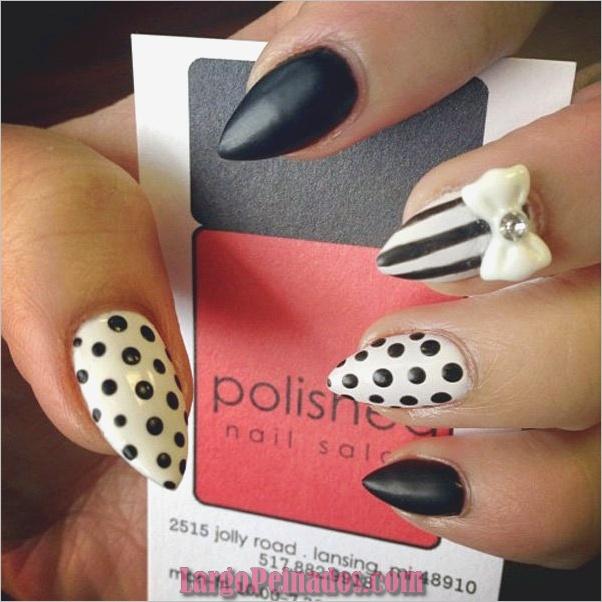 Diseños de uñas en blanco y negro (15)