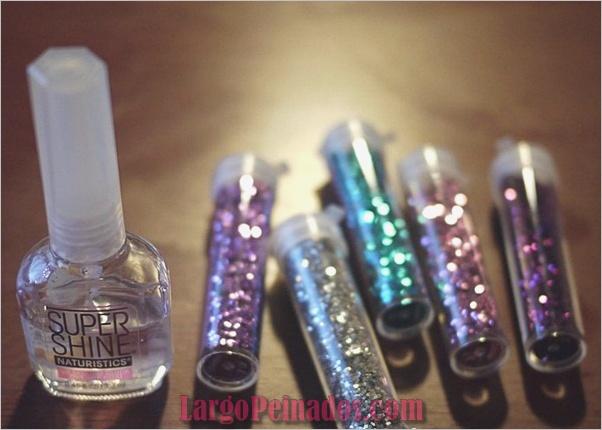 Diseños de arte de uñas con purpurina simple42