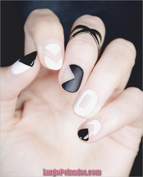 Diseños de uñas en blanco y negro (5)