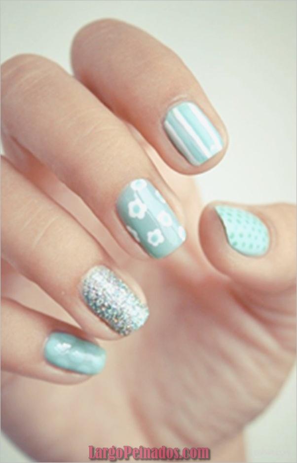 Ideas y diseños de arte de uñas azules (13)