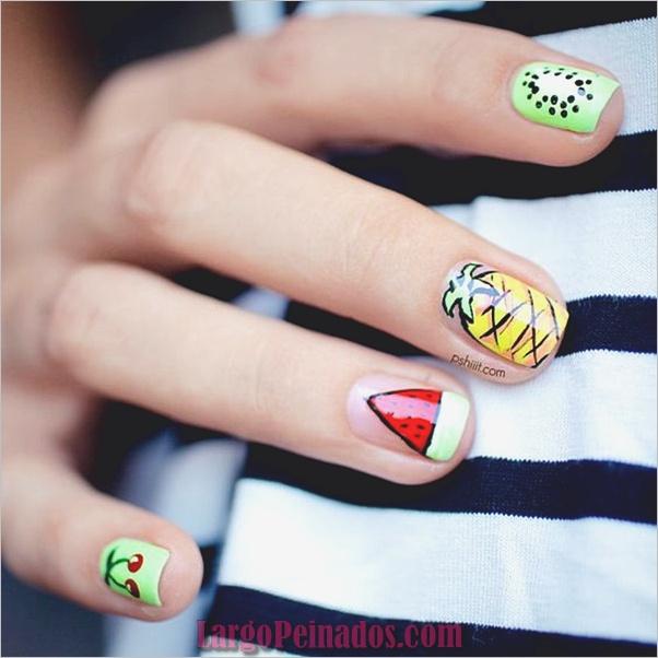 Diseños y Colores de Arte de Uñas de Verano (3)