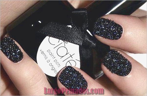 Diseños de arte de uñas negro11