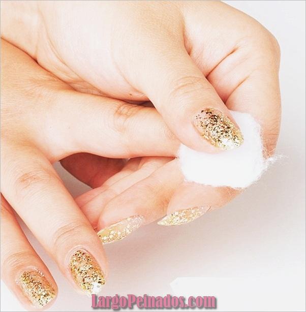 Diseños de arte de uñas con purpurina simple43