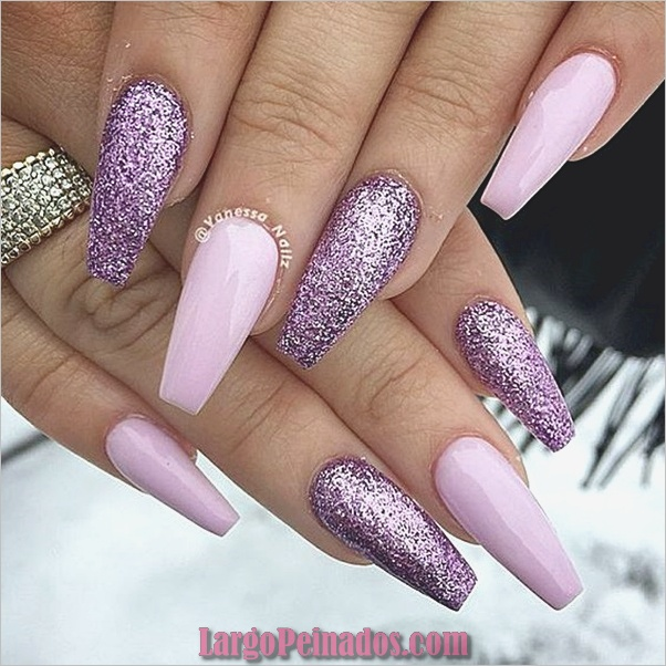 Diseños de arte de uñas púrpura (8)