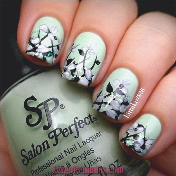 menta-verde-uñas-con-diseño-10