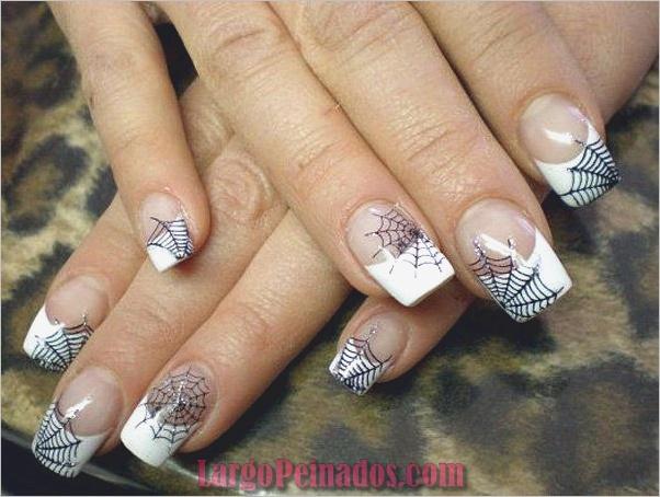 Diseños de uñas en blanco y negro (9)