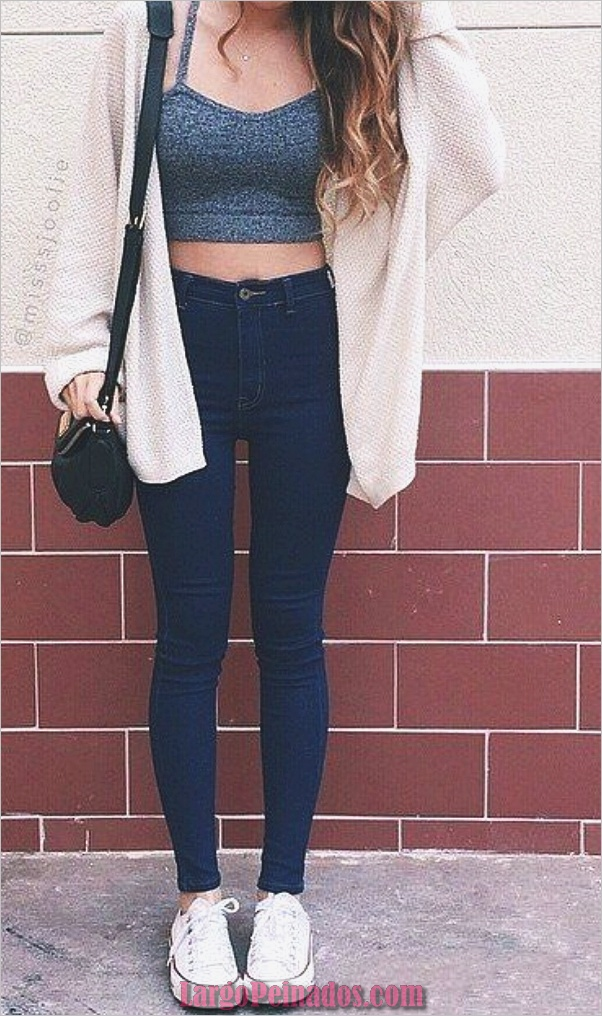 Looks con estilo con su Denim azul básico