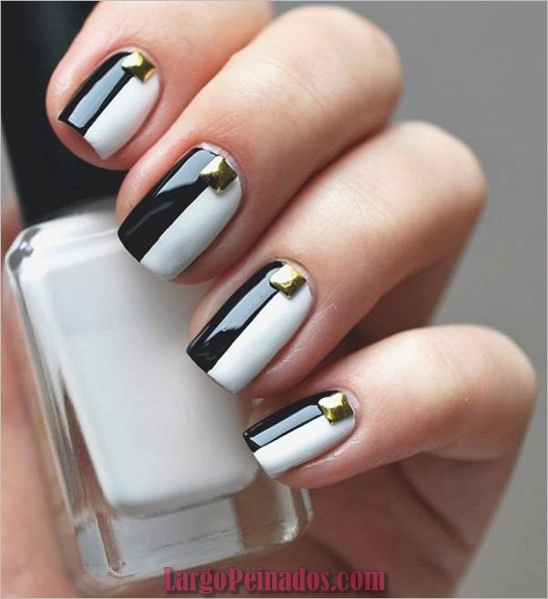 Diseños de uñas en blanco y negro (33)