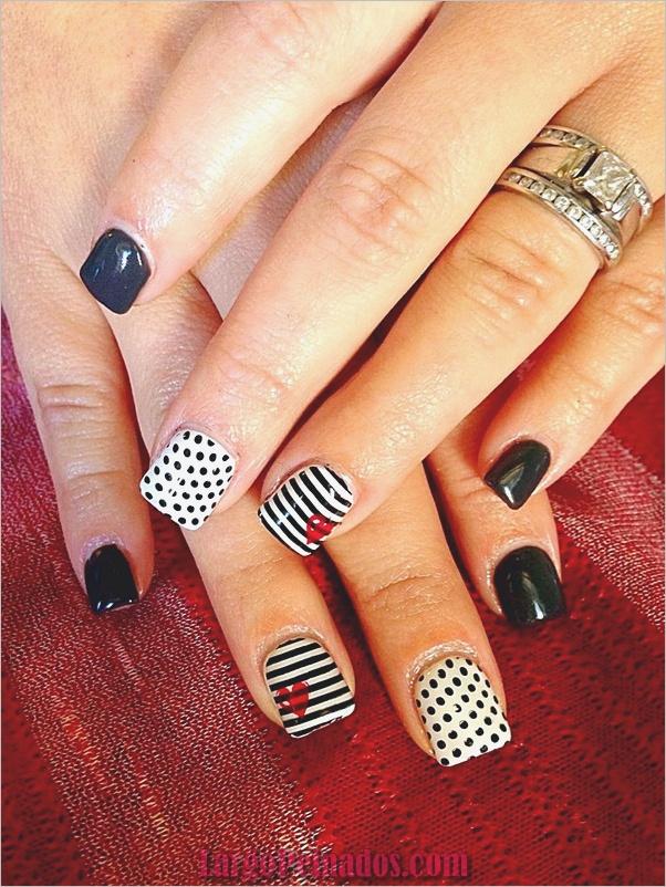 Diseños de arte de uñas blancas (46)