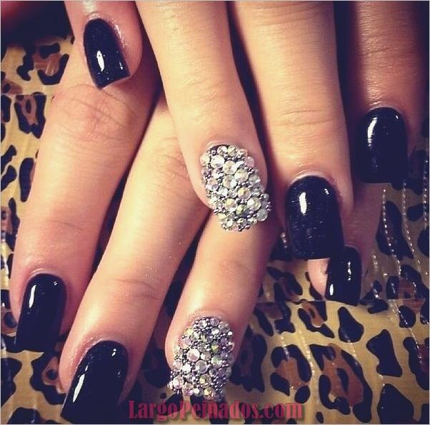 Diseños de arte de uñas negro10