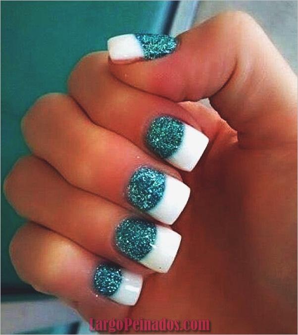 Diseños de arte de uñas con purpurina simple9