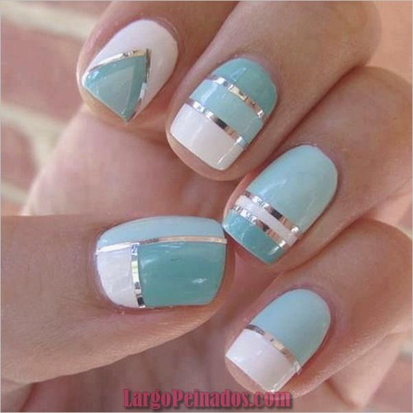 Ideas y diseños de arte de uñas azules (18)