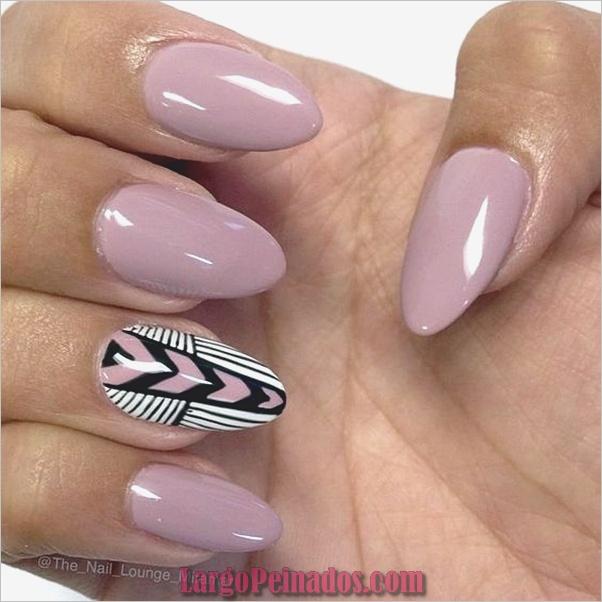 Diseños de uñas puntiagudos de almendra (2)