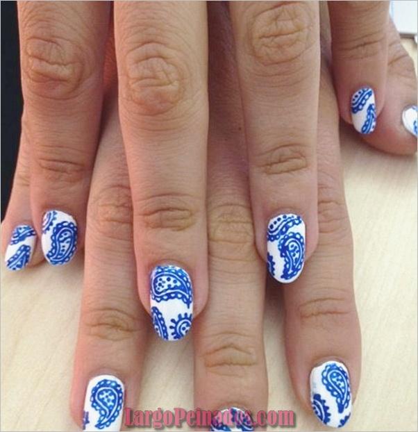 Ideas y diseños de arte de uñas azules (36)